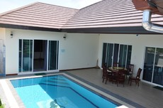 Small New Pool Villa In Cha Am