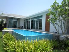 Brand New Pool Villa In Cha Am