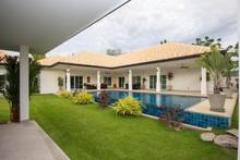 Beautiful Family Friendly Pool Villa