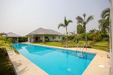 GREAT SPACEFULL TOP QUALITY POOL VILLA