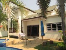 3 Bedroom Pool Villa In Quiet Area