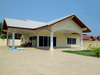 Awesome Single level Villa For Sale