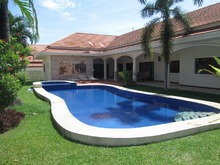 Large Private Pool Villa in Southern Hua Hin