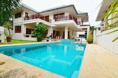 Fantastic Pool Villa In Great Location
