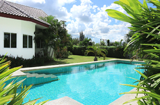 Detached 3 Bedrooms House With Private Pool
