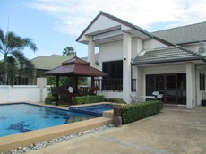 Thai Style Pool Villa For Rent